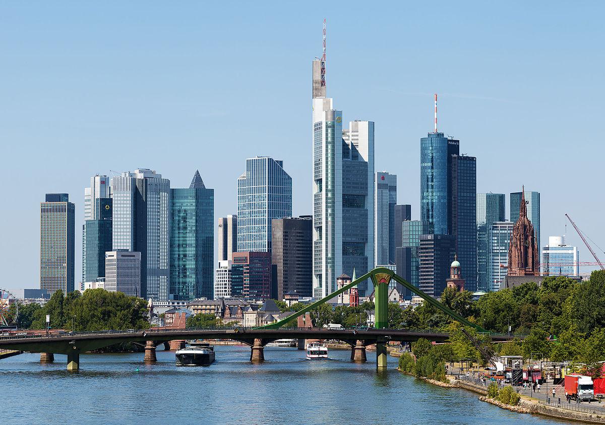 1200px-Skyline_Frankfurt_am_Main_2015